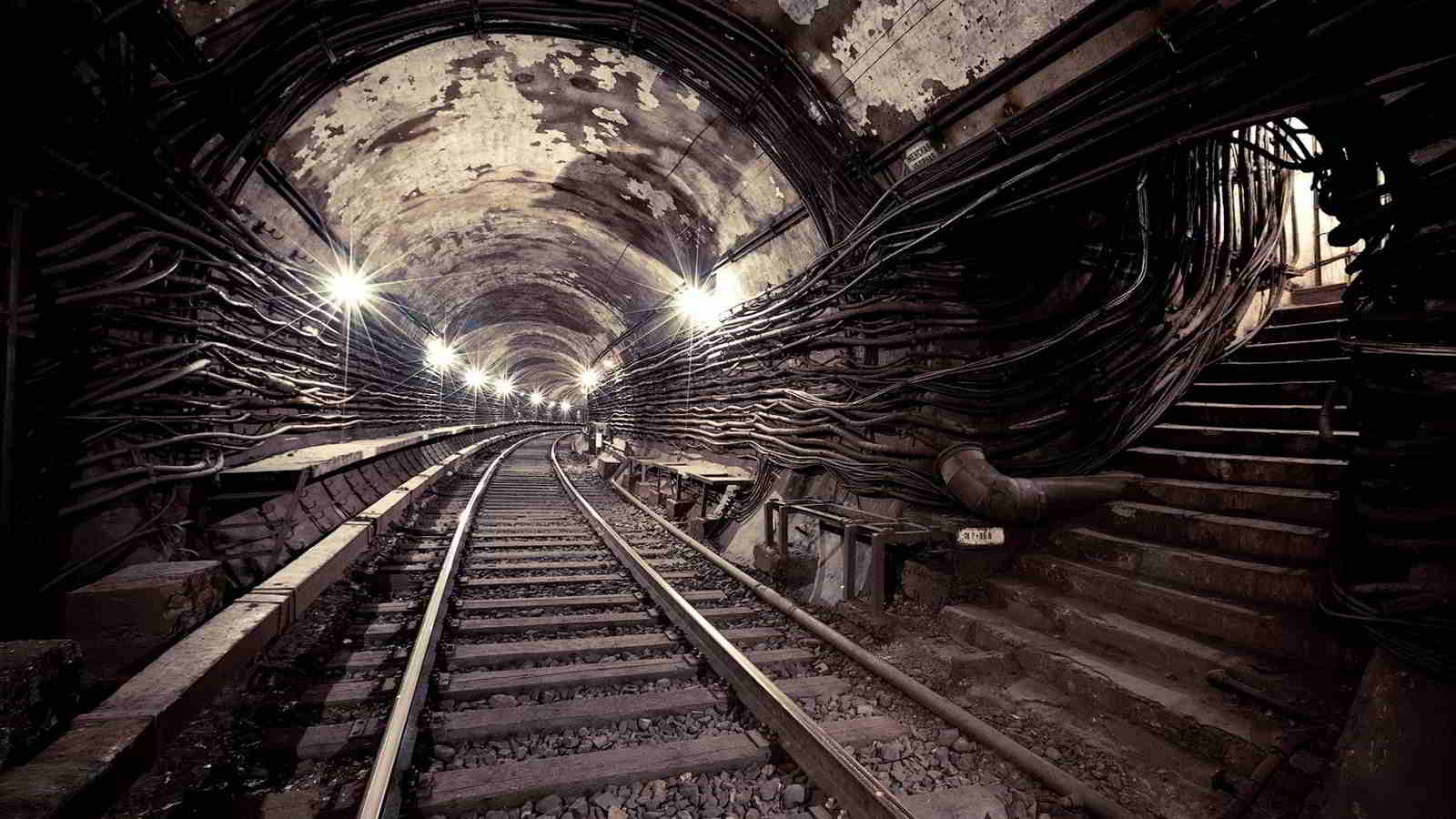 The Underground World w radiu MRS